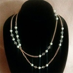 Jewelry - Gold Pearl Necklace